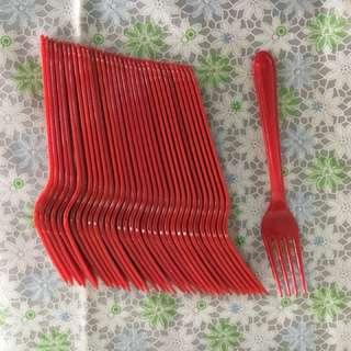 全新红色叉子34隻,可以洗,循環再用