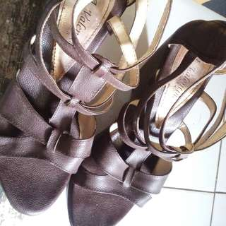 Wedges semi kulit
