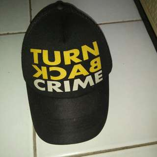 Topi hitam turn back crime