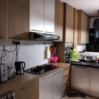 4 room flat with newly furnished kitchen