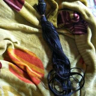 Rambut sambungan (human hair)