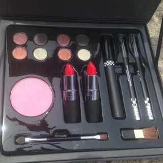 preloved lisna ( 1 set makeup) baru sekali pakai