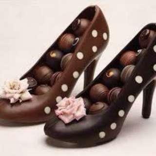 Chocolate Heels with mini Chocolate Truffles / Chocolates