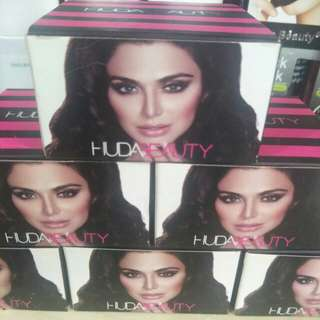 Huda Beauty Loose Powder - Left 6 Box