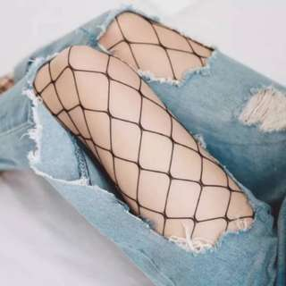EUROPEAN SEXY HOLLOWED OUT FISHNET STOCKING