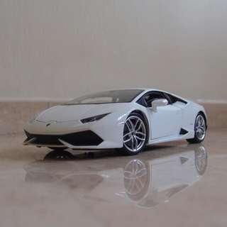 PRE-ORDER: 1/18 Welly FX Lamborghini Huracán LP610-4