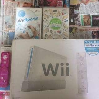 Wii 主機加配件 2隻wii運動遊戲 主機入邊仲內置五隻遊戲 100%work