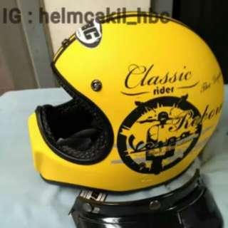 Helmet cakil yellow classic vespa