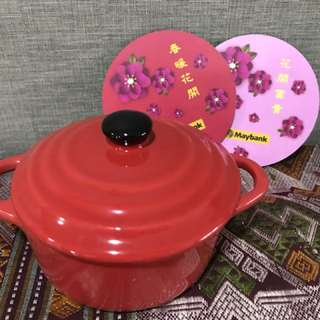 Small baking pot