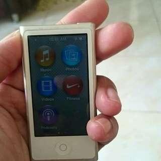 Ipod nano 7th gen 16gb silver bonus pelindung layar dan pelindung ipod