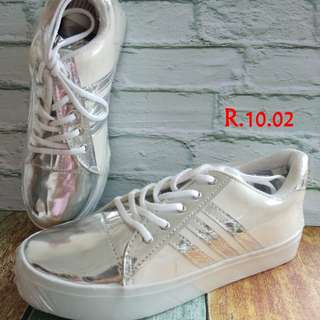 Sepatu wanuta