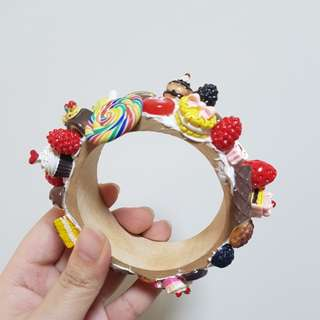Wooden Bracelet with Sweets and Cakes