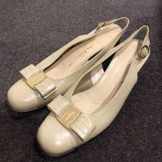 Salvator Ferragamo slingback block heels size 7