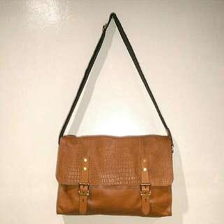 Cole Haan Greenwich Messenger Bag