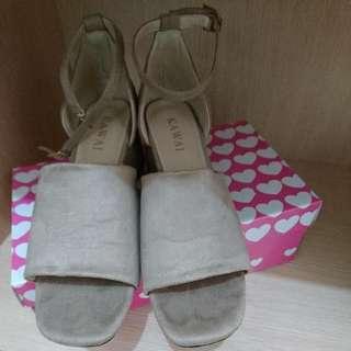 KAWAI 魚口裸色粗根3.5CM涼鞋
