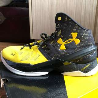 Curry 2's w/ Original Box and Receipt (Retail $1299)