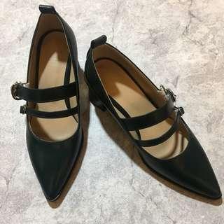 綠瑪莉鞋零售出清