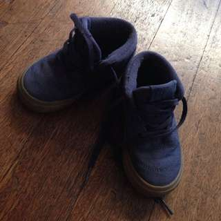 Vans Toddler's high cut shoes size 23.5