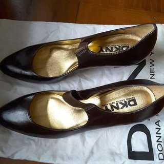 DKNY高踭鞋