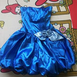 Blue balloon gown