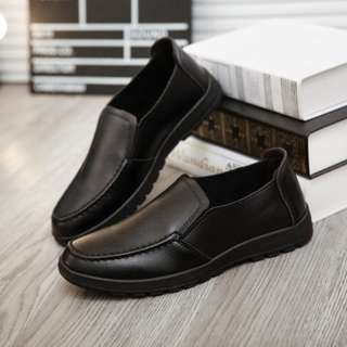[PRE-ORDER] Men Non-slip Soft Casual PU Leather Slip-On Shoes