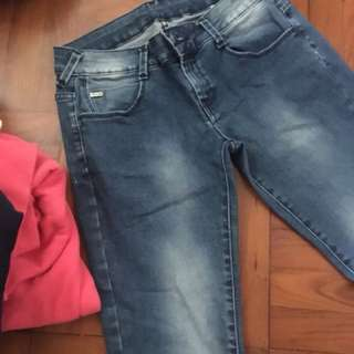 Zara牛仔褲