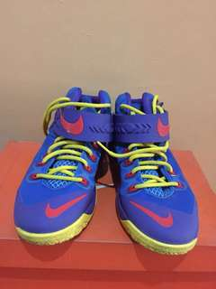 Nike Zoom Lebron Soldier 8