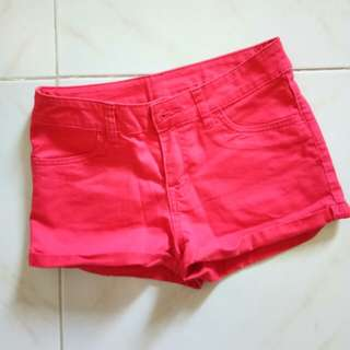H&M red short shorts