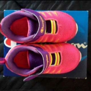 (FREE SHIPPING) Champion Rubber Shoes (Size 7)