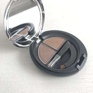 The Body Shop Brow & Liner Kit 02