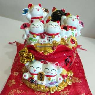 Fortune Cat lucky cat waving hand