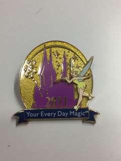 美國迪士尼 Disney Tinkerbell 小叮噹 2011 城堡 立體 Pin 徽章 襟章