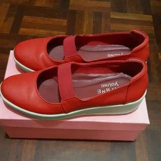🚚 降價~達芙妮女鞋
