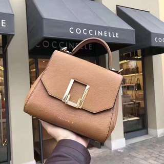 (COCCINELLE)卡其色 NT $6900