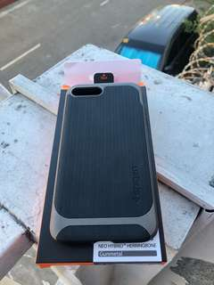 SPIGEN Neo Hybrid Herringbone casing for iPhone7+ and 8+