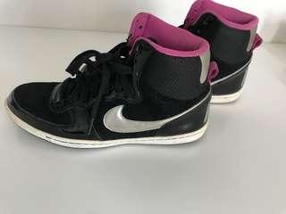 Authentic Nike Shoes women UK 5