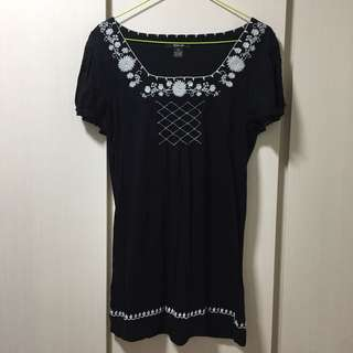 Black Embroidery Dress / Long Top