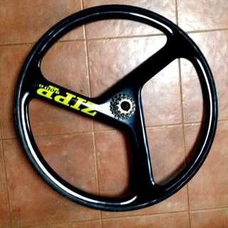 Zipp 3000 rear wheel trispoke