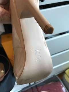 Beige colour comfortable shoes. Brazilian brand new.