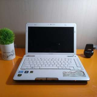 Laptop Toshiba Putih Satellite L735 NVIDIA