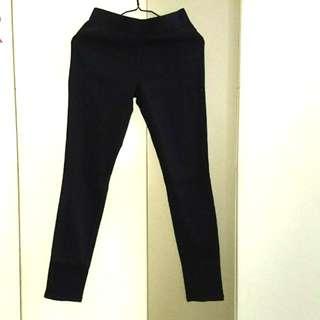 🆕Uniqlo Women Ponte Leggings Pants