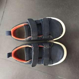 Gap shoes for 2yr boy