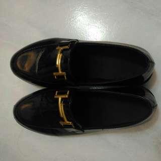 復古方環皮鞋