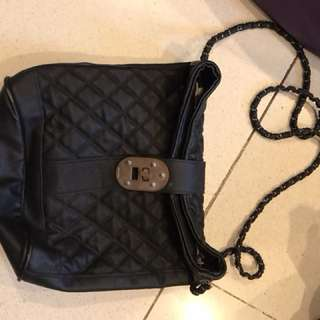 MANGO SLINGBAG BLACK