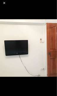 90% new Wall TV, Samsung