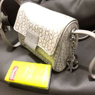 Calvin Klein handbag 斜孭袋 斜背袋 小手袋