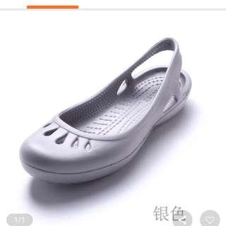 Anti slip flat sole shoes