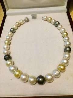 Salt water pearl necklace ( gambar 1 rp. 30jt) (gambar 2&3 rp 15jt)
