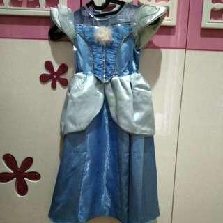 dress character Cinderella..
