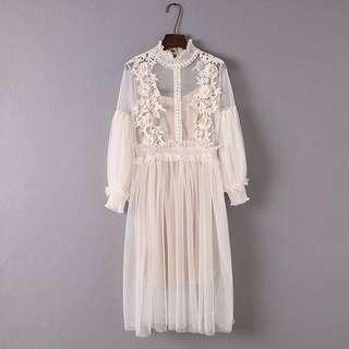 全新2018春裝-米色lace裙